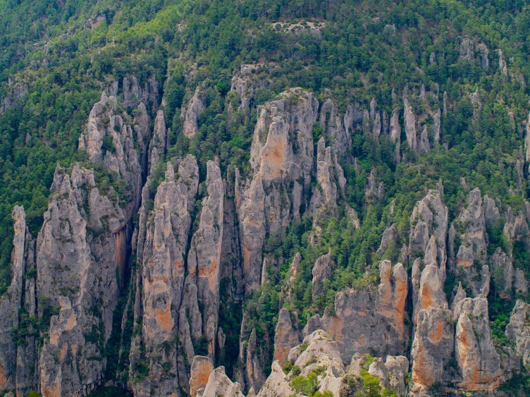 Les Gubies steep cliffs