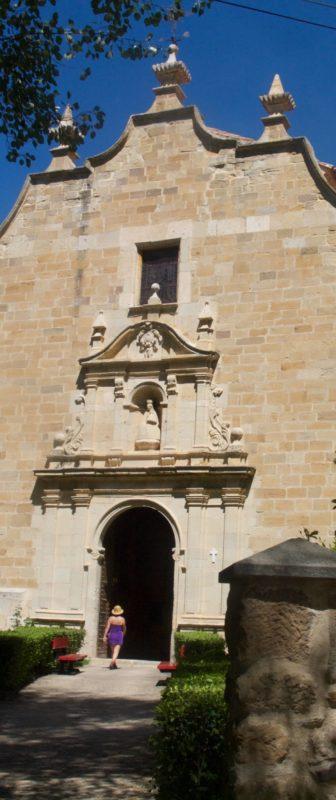 Aliaga church outside