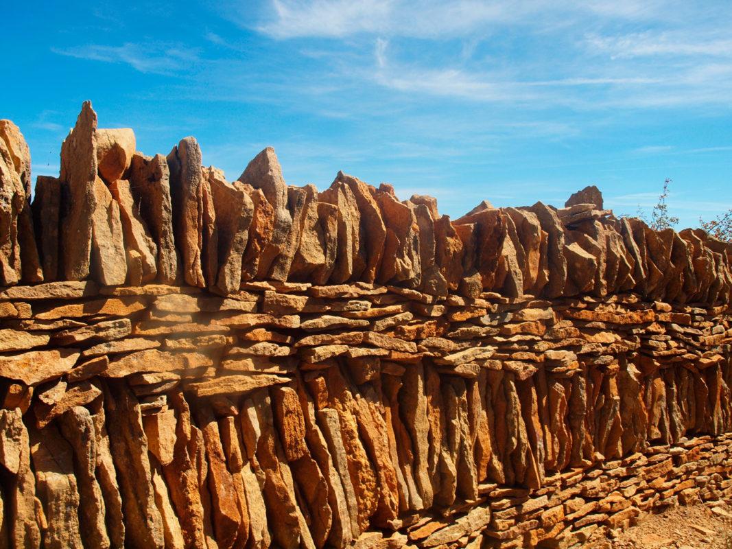 iglesuela dry stone style